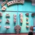 Koščki stare opatije, dolgo pozabljenih in izkopanih