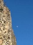 Luna se počasi polni